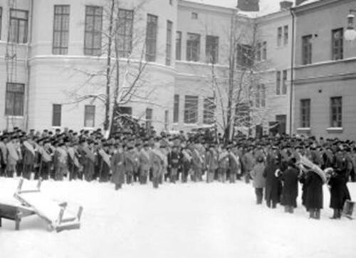 Vuoden 2018 tapahtumia Kuopiossa valottava opastettu retki