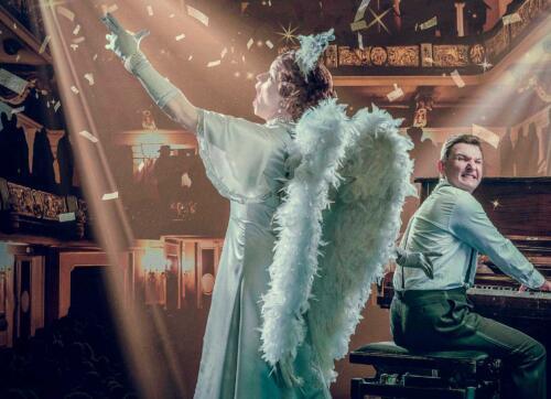Suurenmoinsta on näytelmä Kuopion kaupunginteatterissa