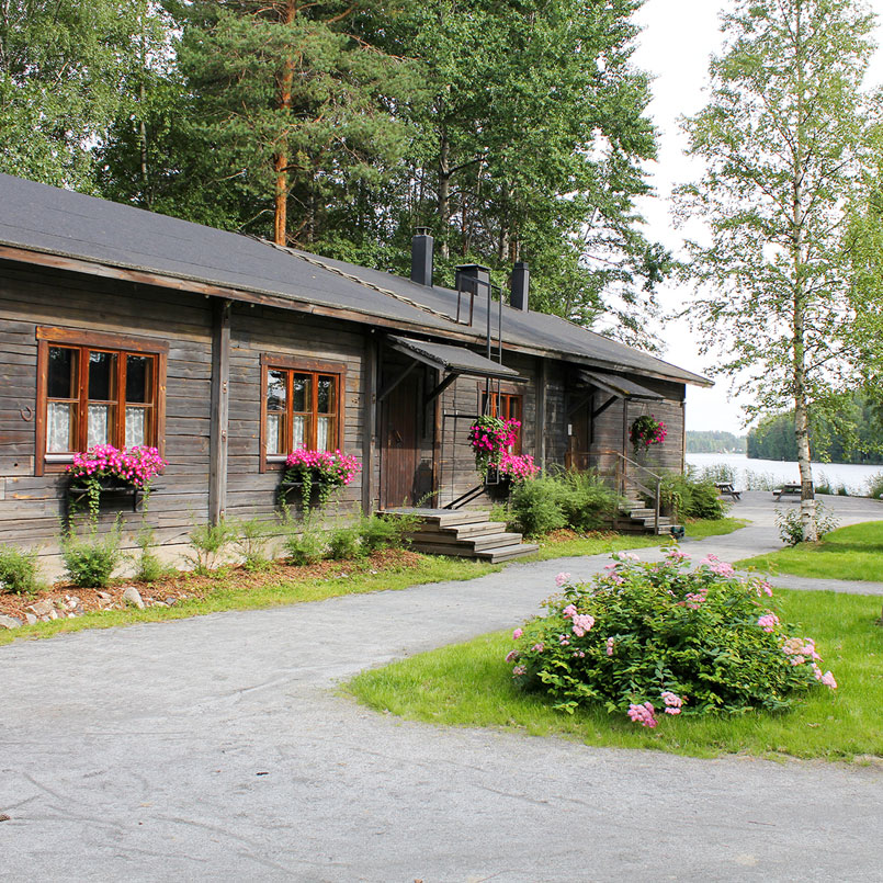 Public traditional Finnish evenings